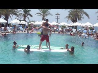 Бой на сёрфе на Лонг Бич в Турции