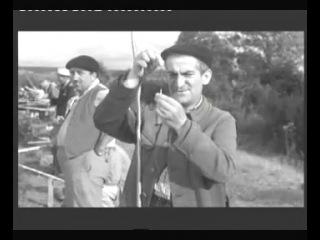 Рыбалка в компании с Луи де Фюнес. Наслаждайтесь!