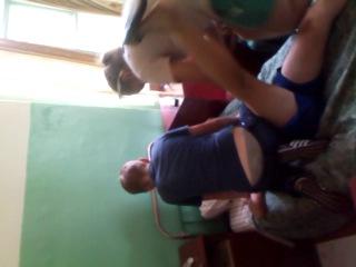 Жека Тимошей снизу, в синих панталонах)))))))))))))))))))хд,хд...