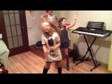 Три поп звездочки( Арина в роли Ники Минаж) (Карина в роли Витни Хьюстон) и (Алена в роли Ханны Монтаны)