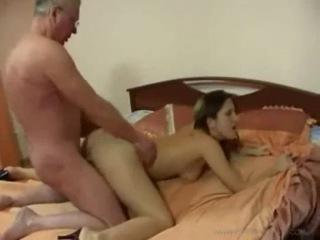 porno-video-papa-ne-nado