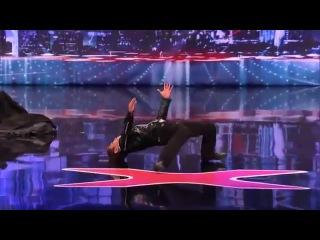 Невероятный танец робота на американском шоу талантов
