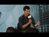 Taylor Lautner Mexico talking about Sin Escape Movie.