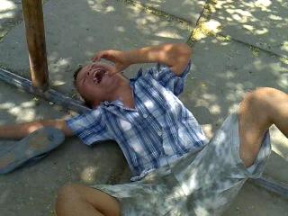 Эрнест Голубничий в роли иииихахахаихаах И буТыыыЛКА ррромаама...:DDD(Настя писала название под градусом:DDD))ИлИ под мариванной