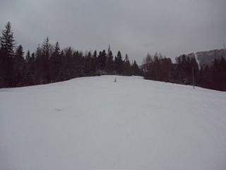 Алёначка на лыжах )))