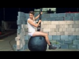 Wrecking Ball Породи ... )))))))))))))))))))))))))))))))))))) Miley Curys