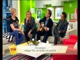 Tom Hiddleston playing guitar and singing at the Sat.1 Breakfast Show