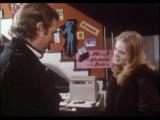 Германия (середина 70-х годов ХХ века): 15-летняя девушка даёт интервью в секс шопе.