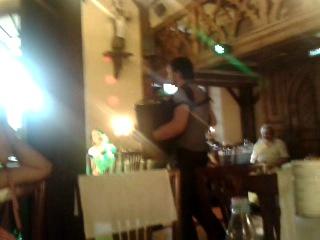 Братья-баянисты зажигают на свадьбе Ани