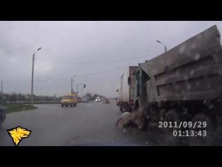 Пьяный камазист выпал из Камаза г.Новосибирск  l HD only l Smotra l