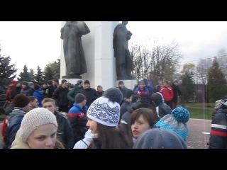 Майдан Незалежності в розпалі Віче в м.Стрий