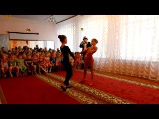 парная акробатика(Анастасия Стародумова и Валерия Шахова)