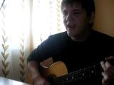 парень спел своей бывшей девушке задушевную песню....)))))