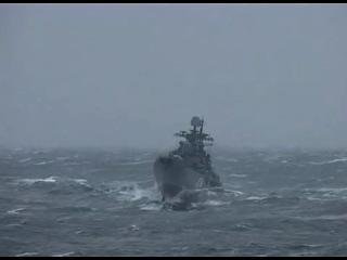 Эсминец Адмирал Ушаков попал в шторм