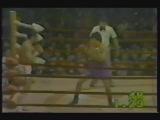 1977-04-02 Saensak Muangsurin vs Guts Ishimatsu (WBC light welterweight title)