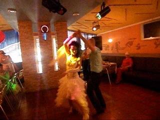 Наш первый свадебный смешной танец...