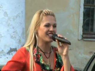Певица Тимук Анна-Гитара