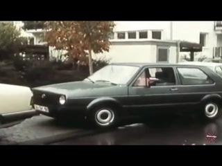 Как паркуются женщины в Германии, 1975 год.