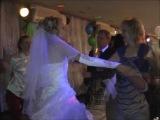 Не спрашивайте, почему именно эта песня... Кто был на свадьбе, тот поймет...=)))