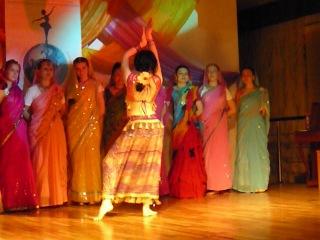 Индийский танец в стиле Болливуд Исп Дарья Биянова