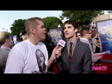 Perez Hilton Does the GLEE 3D Premiere