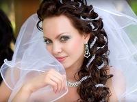 Модные свадебные прически на длинные волосы для каждой девушки.