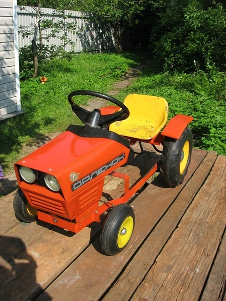 Детский трактор с педалями своими руками 79