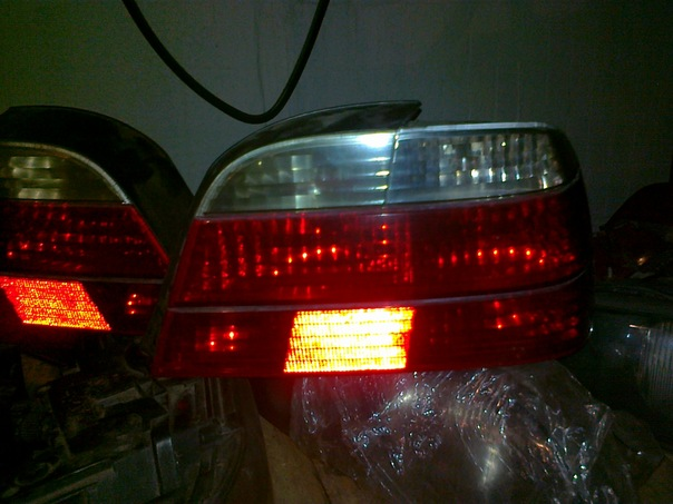 BMW E38 Club - Капот,задние фонари белые ,задний бампер с усилителем.Продается.Москва.