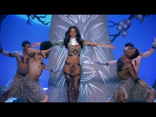 Victoria's Secret Fashion Show 2010 | Segment 5: Wild Things