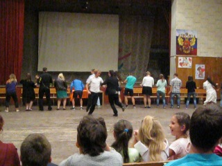 Танец под песню