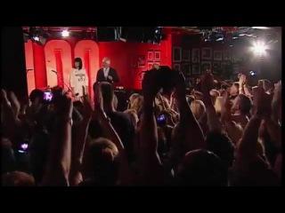 Jessie J and Tom Jones - Mockingbird (Live on 2DAY)