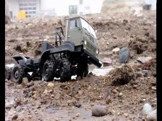 Копия автомобиля КамАЗ Танки грязи не боятся