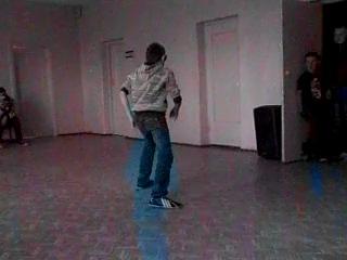 Мишка рвет все мировые танцполы: