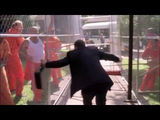 Голдберг в сериале Отчаянные Домохозяйки: 02_04 Моё сердце принадлежит отцу / Goldberg in Desperate Housewives:  02_04 My Heart Belongs To Daddy (2005)