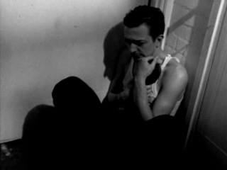 Муравьиный лев ( Жук-скакун )/ Doodlebug / Кристофер Нолан , 1997 (короткометражка, фэнтези, детектив)