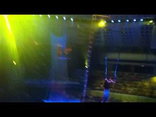 Цирк никулина в ижевске 2012г. воздушный полет ''Герои''