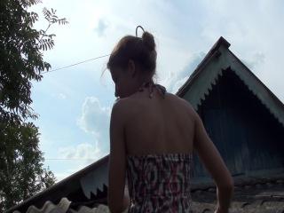 инна на крыше,нина уехала кататься,у дачи на огороде С: