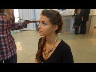 наша команда..в процессе подготовки к показаз свадебных платьев..наша самая возрастная модель Диана)))