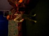 Поля танцует под песню