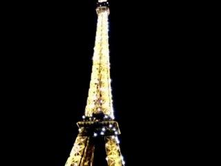 Video scintillante pour les amoureux de #Paris. #igersfrancevideo #igersfrance #eiffel