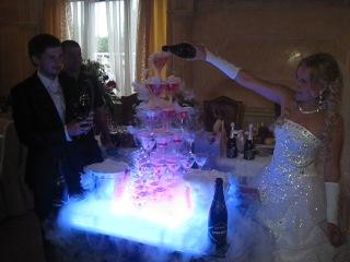 Горка шампанского с эффектом дыма и свето-музыкой!