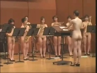 Голый японски оркестр