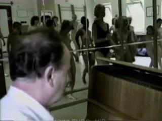 Урок танцев для натуристов