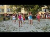 Маши малявочки танцуют))))и мы вместе с ними)