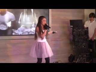 (3 отчётный концерт )Ресторан бар SANREMO Оксана с песней Девчёнка малолетка