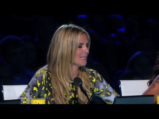 Collins Key - Magician Predicts Twitter Answers From Judges - America's Got Talent 2013
