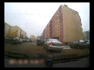 ДТП во дворе XD