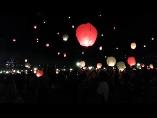 Запуск небесных фонариков 1.09.2012. Парковка