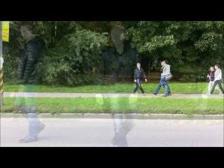 Тимур проиграл спор и шел от универа до метро БОКОМ )) Очень смешно ))