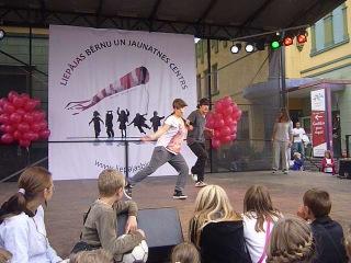 03.09.12 flo rida(whistle) + t-pain (bang bang pow pow) - dance